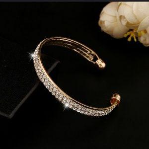 Jewelry - 🆕Open bangle CZ bracelet🆕